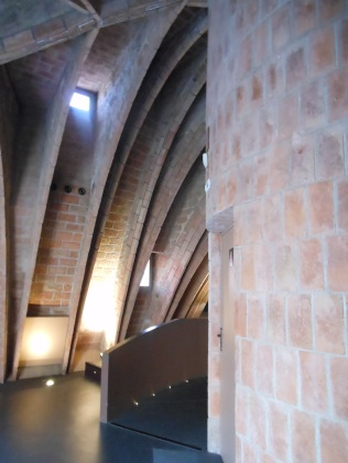 3 - Attic - supporting arches