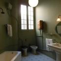 36 Main bathroom
